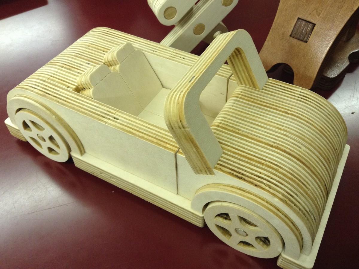美しい曲線の自動車